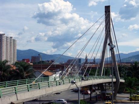 bridge into Parque San Antonio